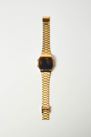 Часы C. сенсор золотые