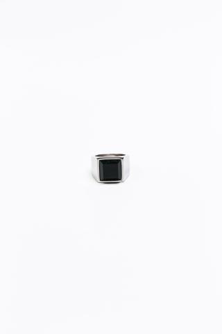 Перстень черный камень квадратный серый
