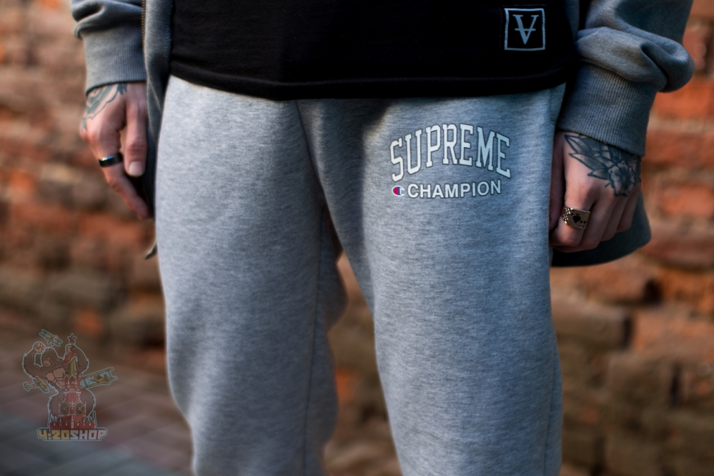 Спортивные штаны Supreme