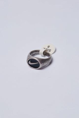 Перстень N серебряный