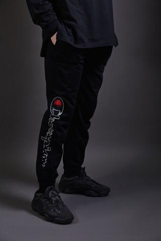 Спортивные штаны Champion черные