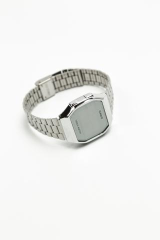 Часы CASIO сенсор серебряные