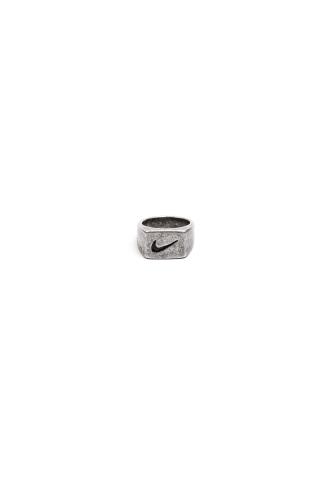 Перстень Nike матово-серебряный
