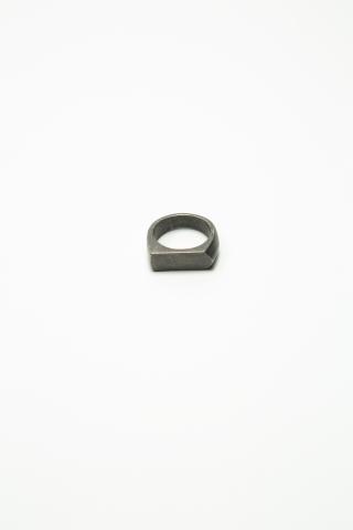 Кольцо пятиугольное матовое темно-серое