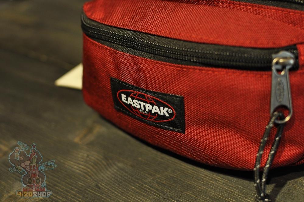 Бананка Eastpack красная